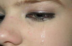 עיניים בוכות